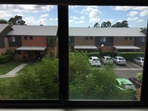 Mijn uitzicht vanuit mijn raam! Wat een verademing om wel wat te kunnen zien...
